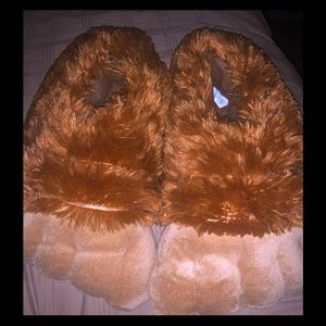 Accessories - Brand new bearpaw slippers